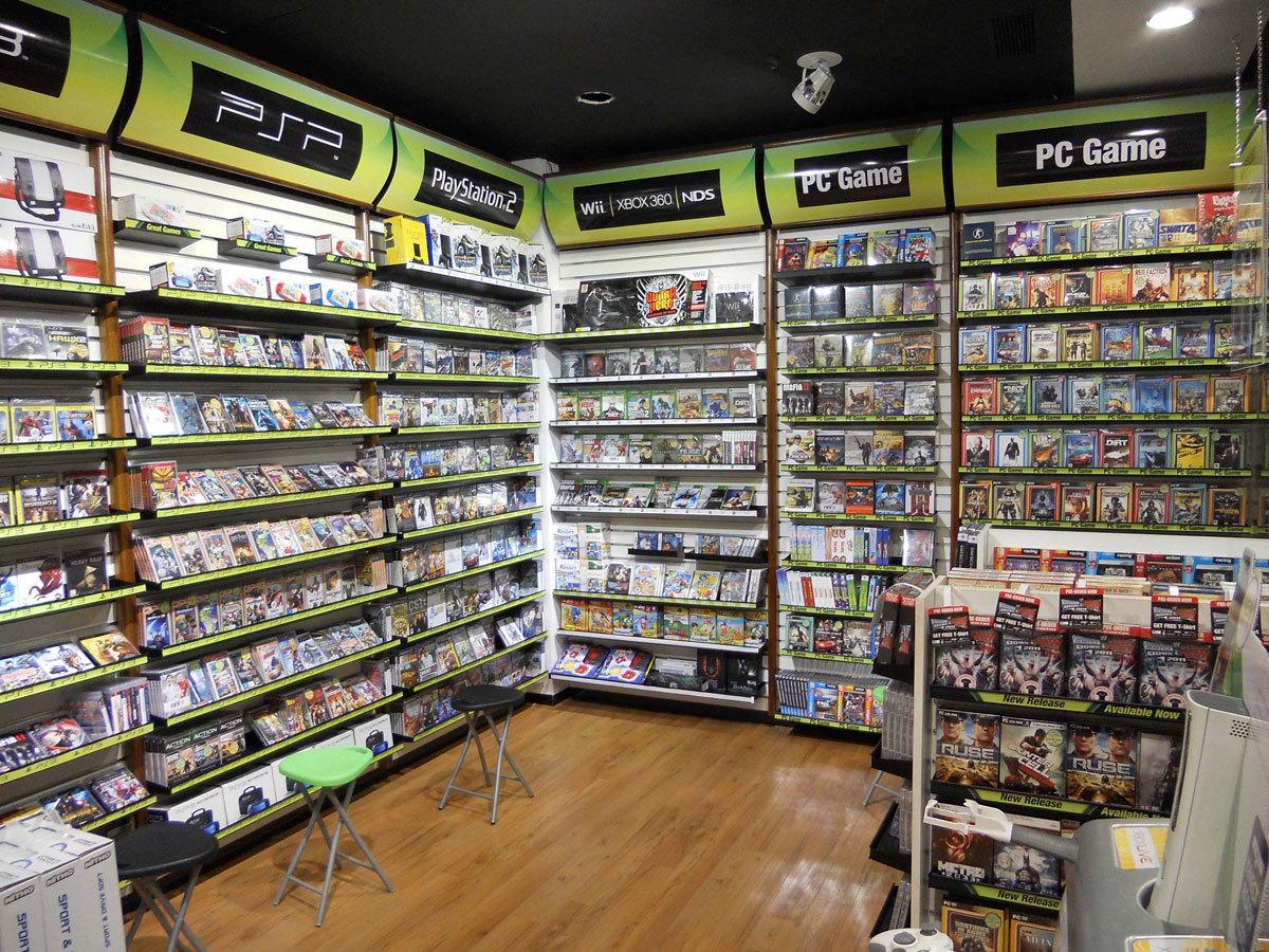 Стоит ли покупать лицензионные игры?